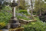 2006-02-cemetery st. just in roseland church cornwall.jpg